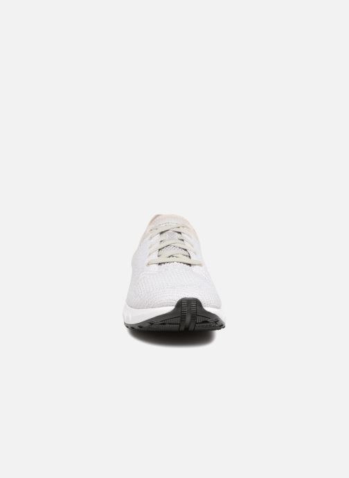 Chaussures de sport Under Armour UA HOVR Sonic NC Blanc vue portées chaussures