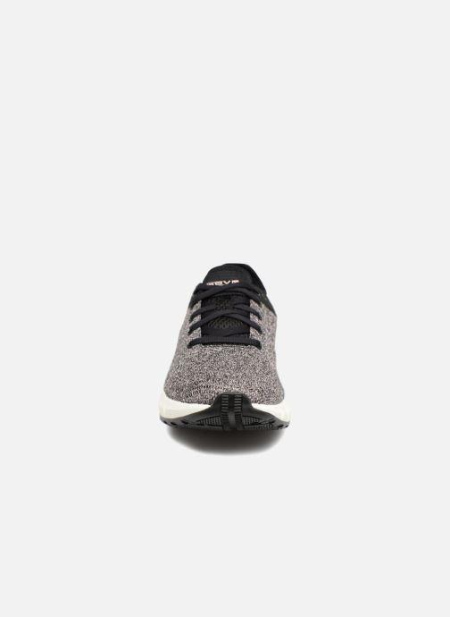 Chaussures de sport Under Armour UA W HOVR Sonic NC Noir vue portées chaussures