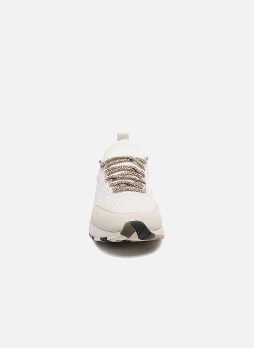 "Sneakers Diesel ""SKB"" S-KBY Bianco modello indossato"