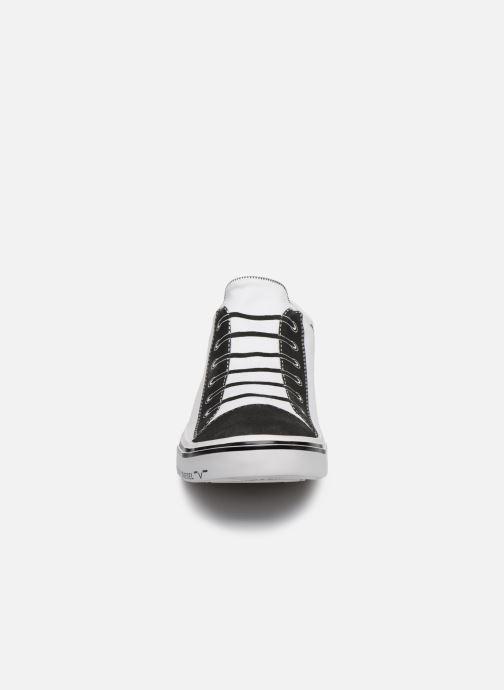 "Baskets Diesel ""IMAGINEE"" S-IMAGINEE LOW SLIP-ON Blanc vue portées chaussures"
