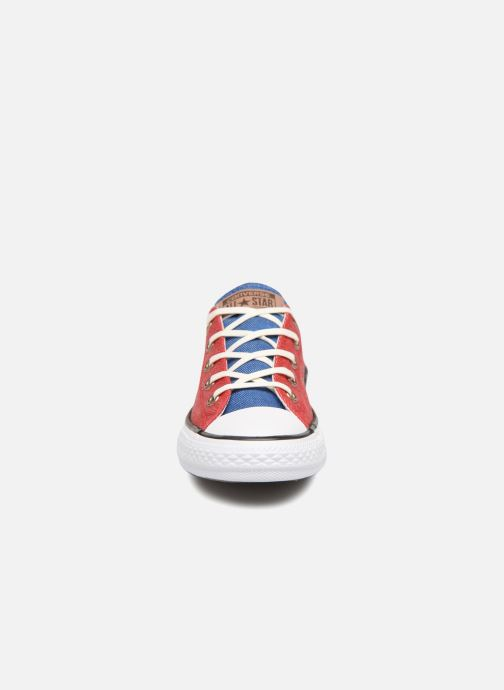 Baskets Converse Chuck Taylor All Star Ox Two Color Chambray Rouge vue portées chaussures