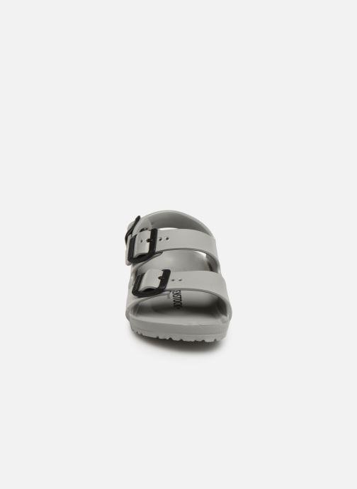 Sandalen Birkenstock Milano EVA grau schuhe getragen