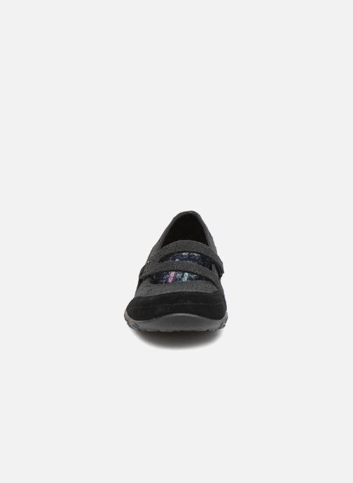 Ballet pumps Skechers Breathe-Easy Pretty Swagger Black model view