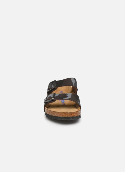 Sandales et nu-pieds Birkenstock Arizona Flor Soft Footbed M Marron vue portées chaussures