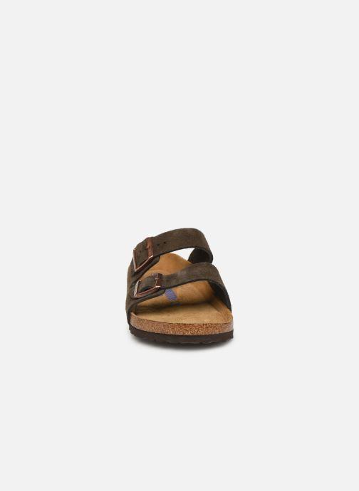 Sandales et nu-pieds Birkenstock Arizona Cuir Suede Soft Footbed M Gris vue portées chaussures