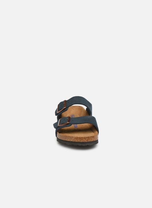 Sandales et nu-pieds Birkenstock Arizona Cuir Suede Soft Footbed M Bleu vue portées chaussures