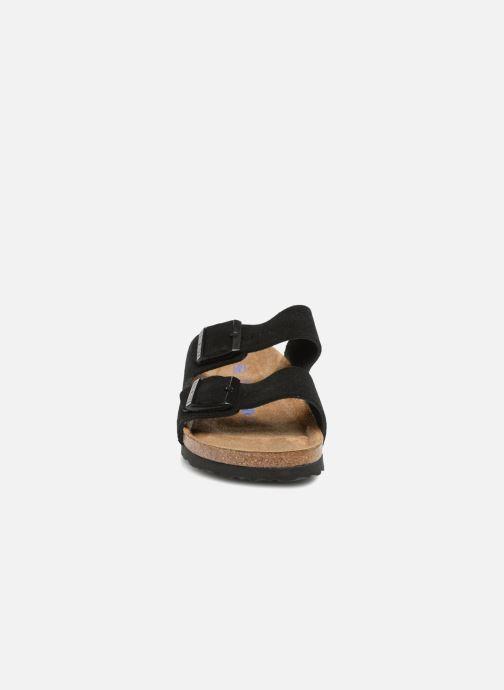 Mules et sabots Birkenstock Arizona Cuir Suede Soft Footbed W Noir vue portées chaussures