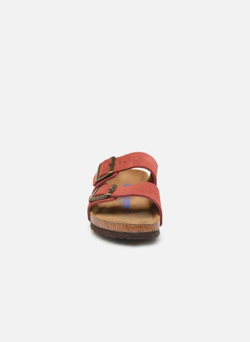 Mules et sabots Birkenstock Arizona Cuir Suede Soft Footbed W Rose vue portées chaussures