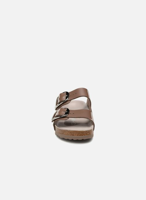 Sandales et nu-pieds Birkenstock Arizona Big Buckle Gris vue portées chaussures