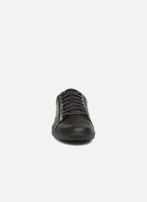 Sneakers Timberland Fulk Cap Toe Ox Nero modello indossato