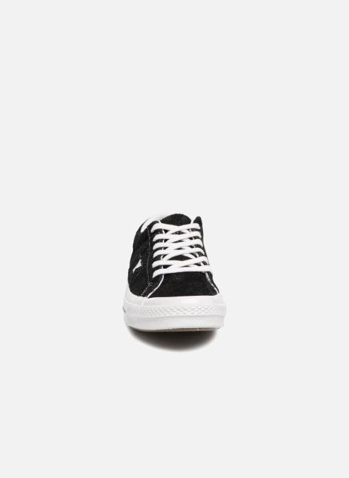 Sneaker Converse One Star OG Suede Ox W schwarz schuhe getragen