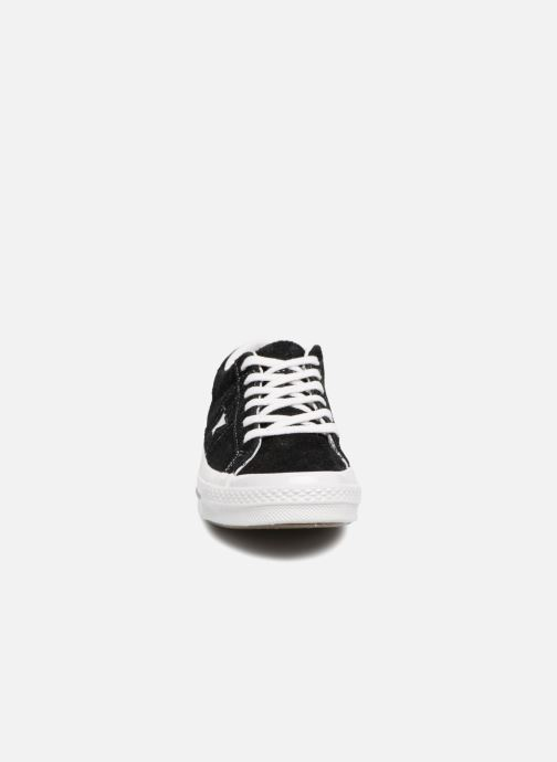 Baskets Converse One Star OG Suede Ox W Noir vue portées chaussures