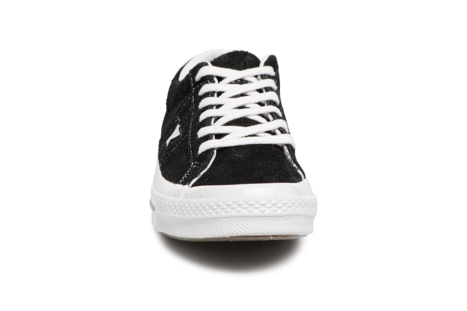 Baskets Converse One Star OG Suede Ox W Noir vue portées chaussures