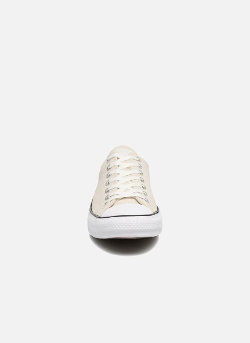 Baskets Converse Chuck Taylor All Star Fashion Leather Ox Beige vue portées chaussures