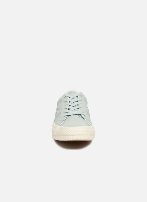 Sneakers Converse One Star Piping Pack Ox W Verde modello indossato