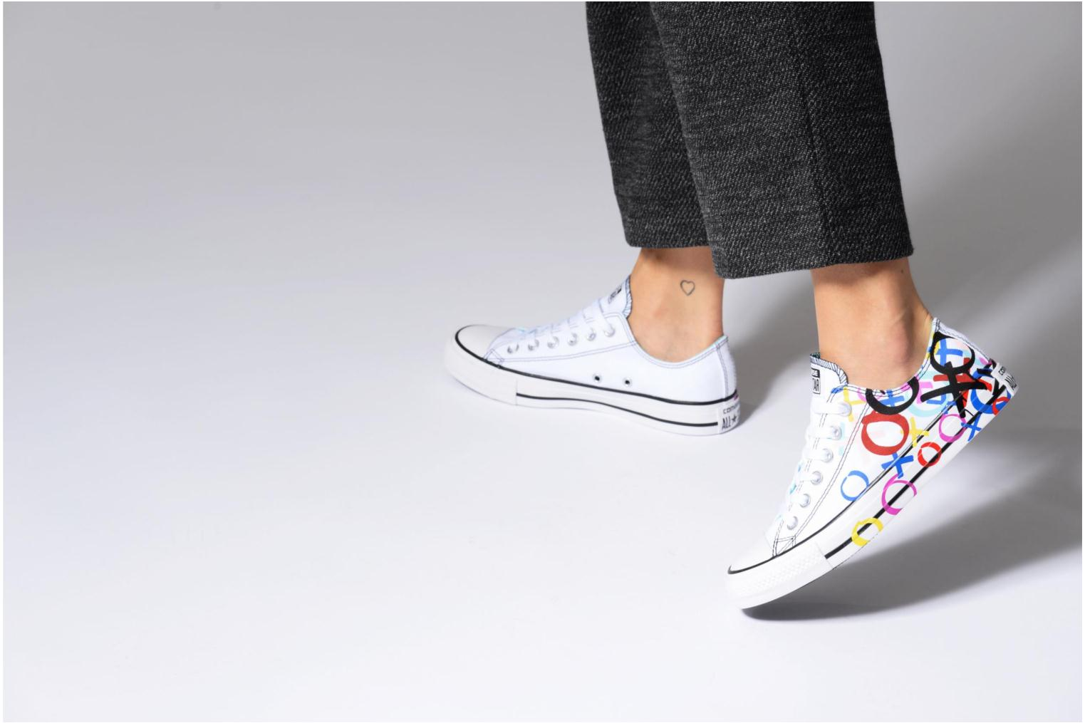 Baskets Converse Chuck Taylor All Star Print Ox Multicolore vue bas / vue portée sac