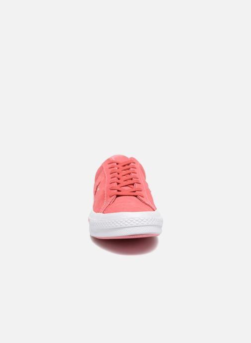 Baskets Converse One Star Converse Pinstripe Ox Rose vue portées chaussures