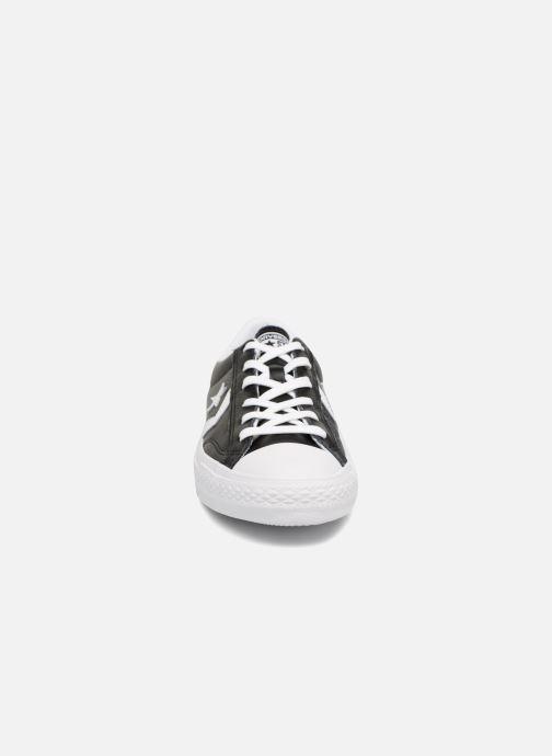 Sneaker Converse Star Player Leather Essentials Ox schwarz schuhe getragen