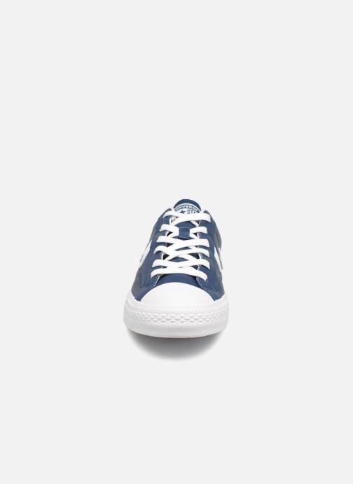 Baskets Converse Star Player Leather Essentials Ox Bleu vue portées chaussures