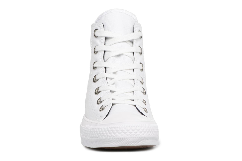 Baskets Converse Chuck Taylor All Star Canvas + Studs Hi Blanc vue portées chaussures