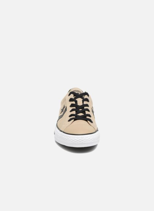 Baskets Converse Star Player Camo Suede Ox Beige vue portées chaussures