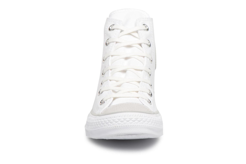Baskets Converse Chuck Taylor All Star Tipped Metallic Toecap Hi Blanc vue portées chaussures