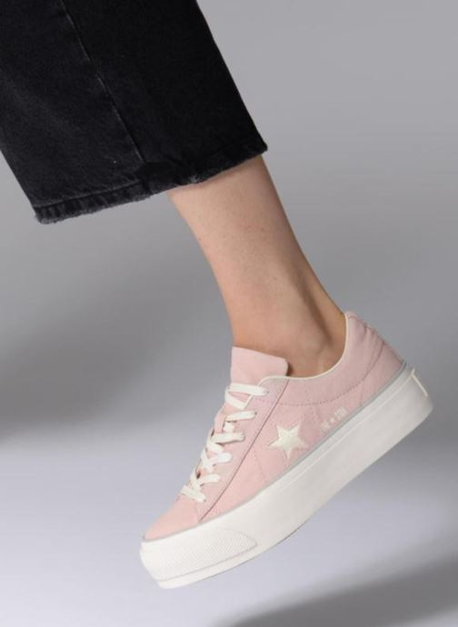 Trainers Converse One Star Platform Ox Pink view from underneath / model view