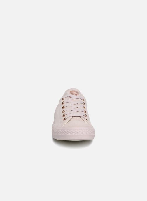 Sneakers Converse Chuck Taylor All Star Cherry Blossom II Ox Rosa modello indossato