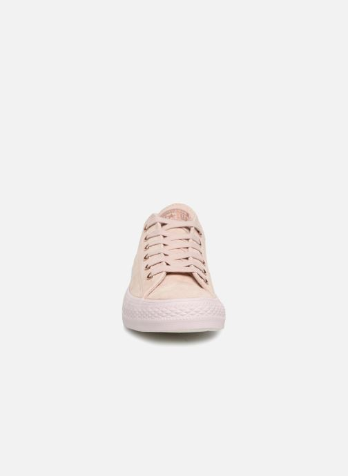 Baskets Converse Chuck Taylor All Star Cherry Blossom II Ox Beige vue portées chaussures
