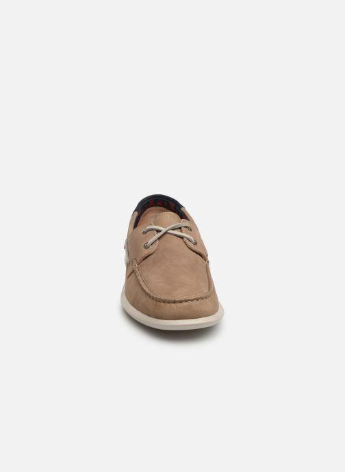 Scarpe con lacci Callaghan WAVELINE Beige modello indossato