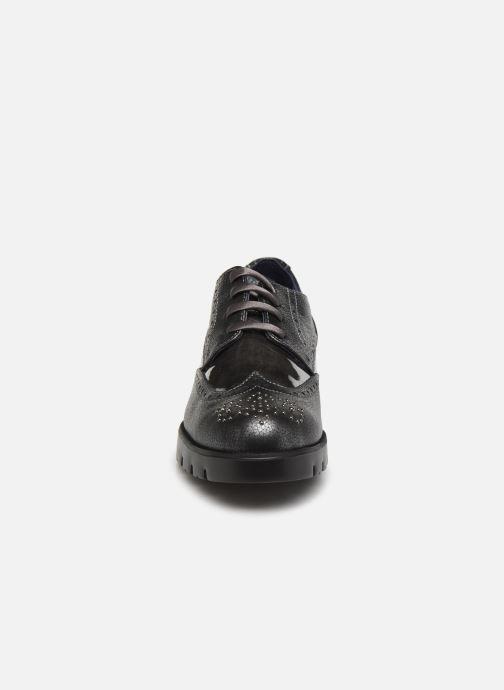 Zapatos con cordones Callaghan Haman Gris vista del modelo