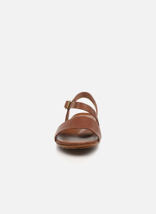 Sandali e scarpe aperte Timberland Cranberry Lake Sandal Marrone modello indossato