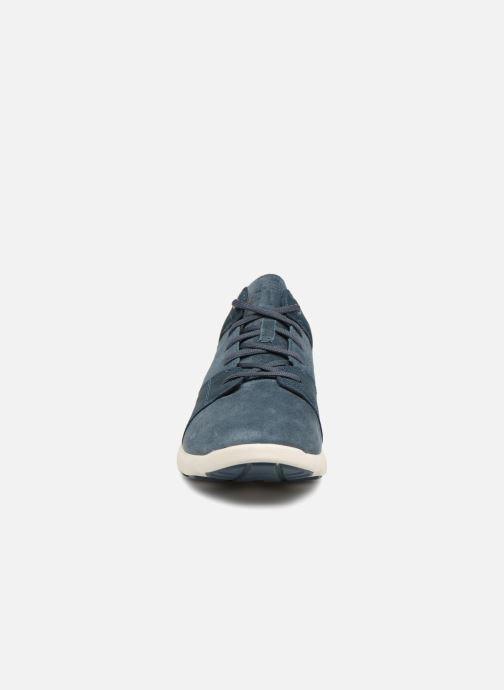 Sneakers Timberland FlyRoam Leather Oxford Azzurro modello indossato