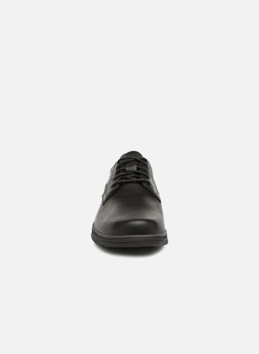 Scarpe con lacci Timberland Bradstreet Padded Collar Nero modello indossato