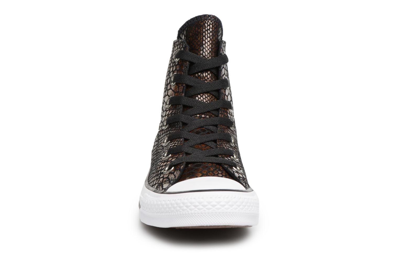 Baskets Converse Chuck Taylor all star 556817C Noir vue portées chaussures