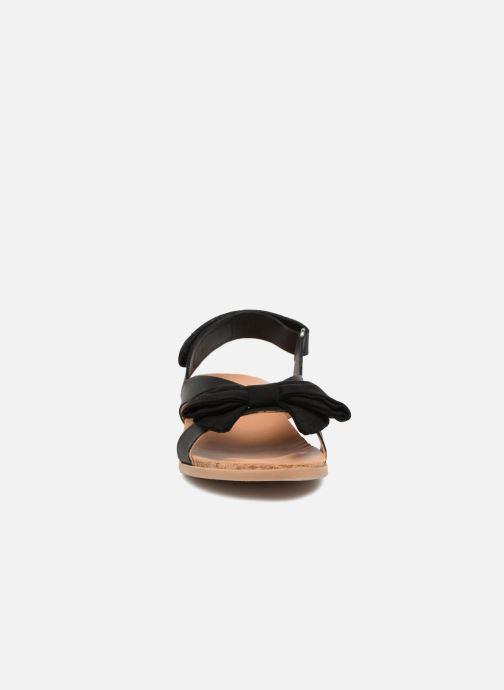 Sandales et nu-pieds UGG Fonda Noir vue portées chaussures