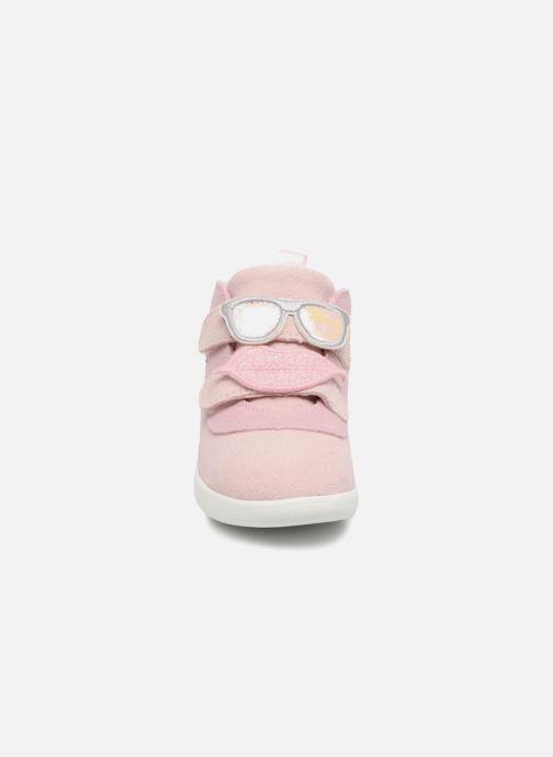 Baskets UGG Livv Rose vue portées chaussures