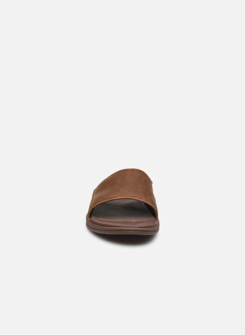 Sandali e scarpe aperte UGG Seaside Slide Marrone modello indossato