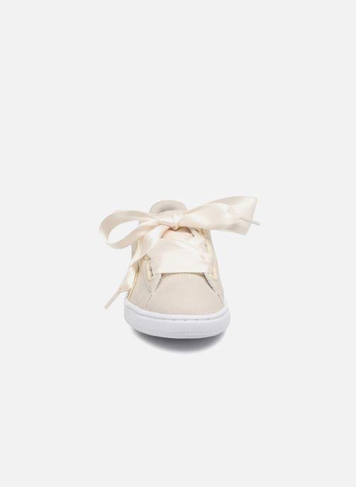 Baskets Puma Basket Heart Canvas Wn's Blanc vue portées chaussures