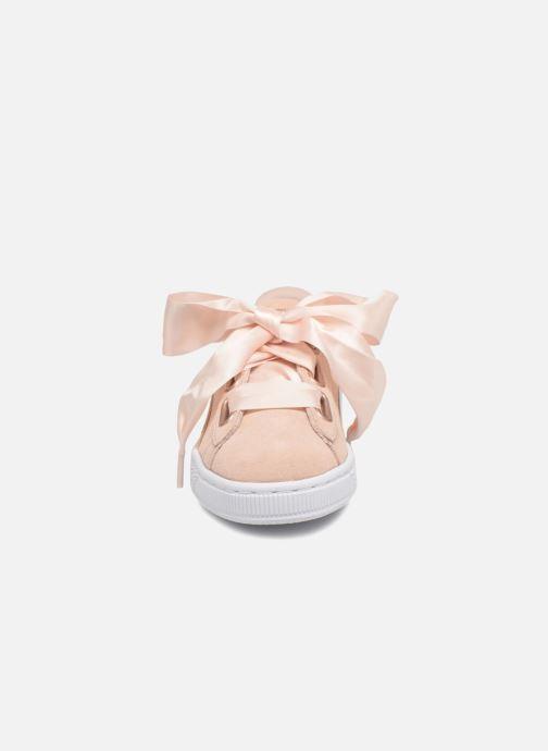 Baskets Puma Basket Heart Hyper Wn's Rose vue portées chaussures