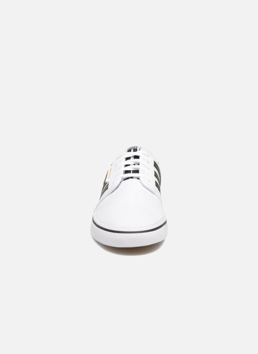 Chaussures de sport adidas performance Seeley Blanc vue portées chaussures