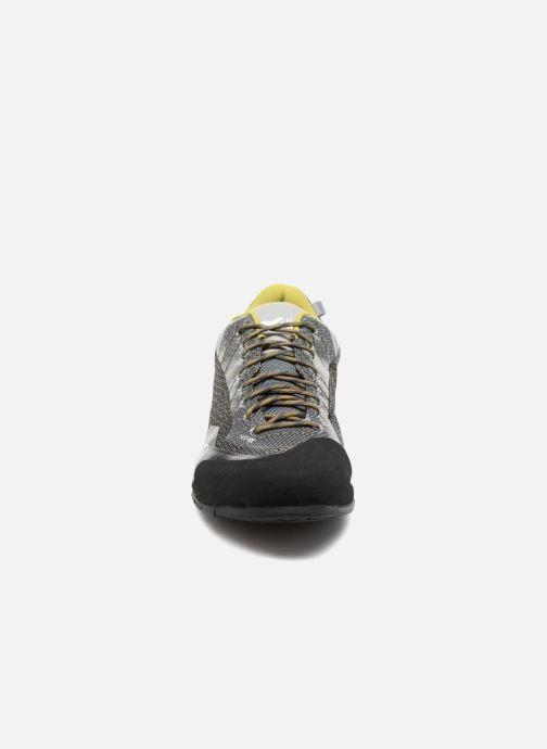 Chaussures de sport Millet AMURI Gris vue portées chaussures