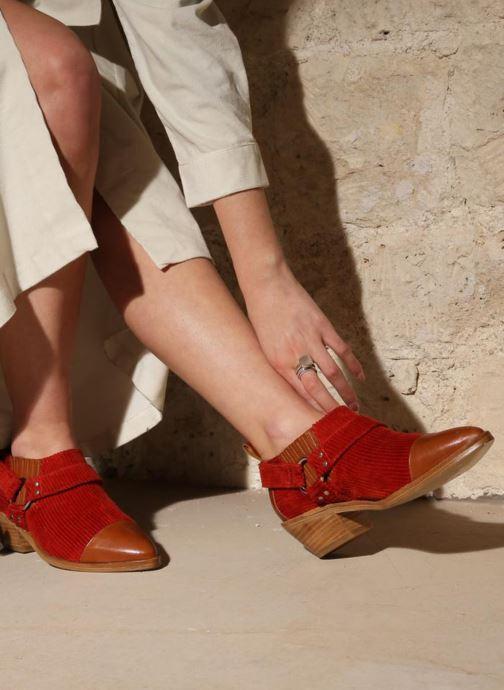 Bottines et boots Made by SARENZA Made by Sarenza X Valentine Gauthier Boots Marron vue bas / vue portée sac