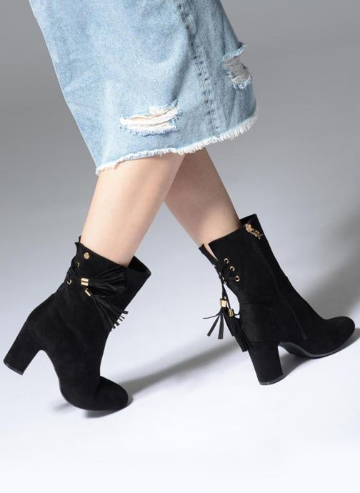 Ankle boots Xti 030625 Black view from underneath / model view