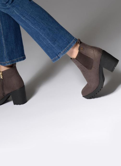 Ankle boots Xti 047398 Brown view from underneath / model view