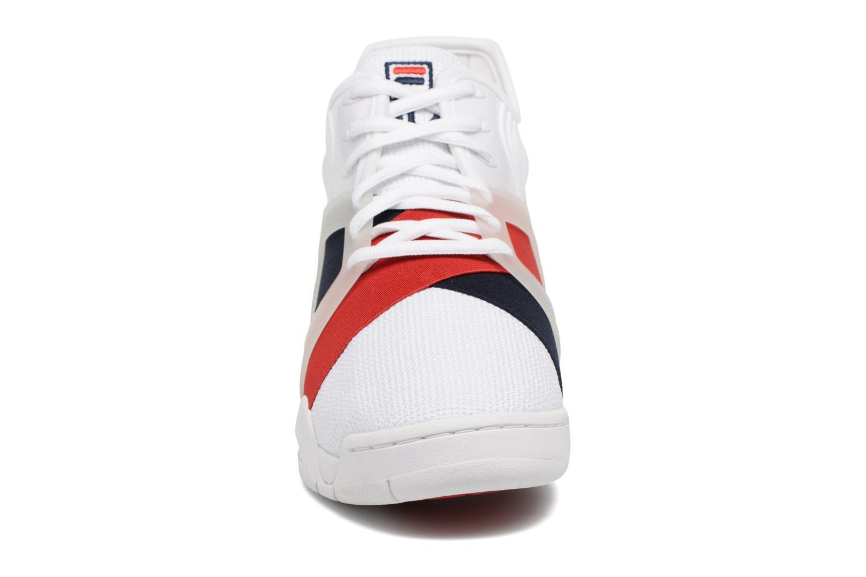 Baskets FILA Cage 17 Blanc vue portées chaussures