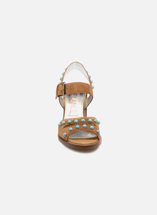 Sandales et nu-pieds Free Lance Hema 7 sandal Rivets Marron vue portées chaussures
