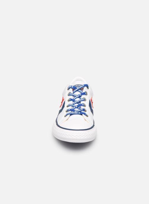 Sneakers Converse Star Player EV Canvas Ox Bianco modello indossato