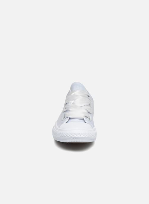 Trainers Converse Chuck Taylor All Star Big Eyelet Satin Mono Slip White model view