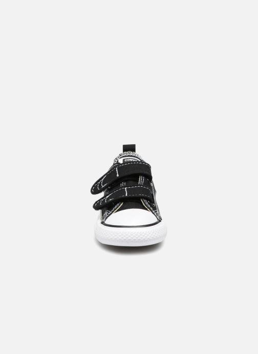 Sneaker Converse Chuck Taylor All Star V  Ox schwarz schuhe getragen